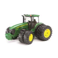 Traktorit : John Deere Traktori - Bruder 3052