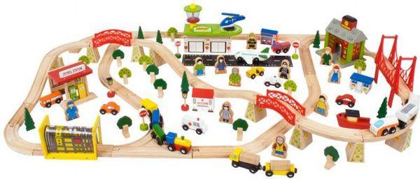 Image of Togbane med køretøjer og bygninger (380-090183)