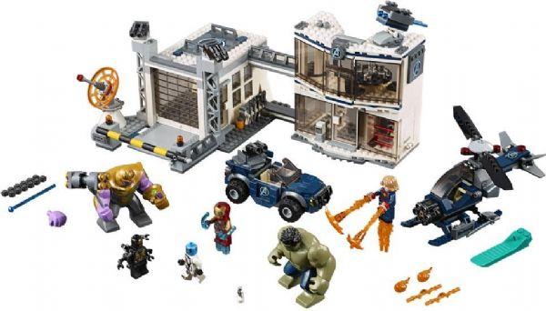 Image of   Kampen om Avengers-basen - LEGO Super Heroes 76131